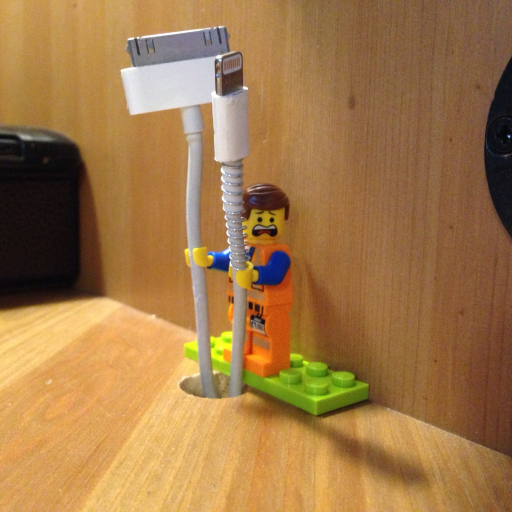 lego-cable-tidy