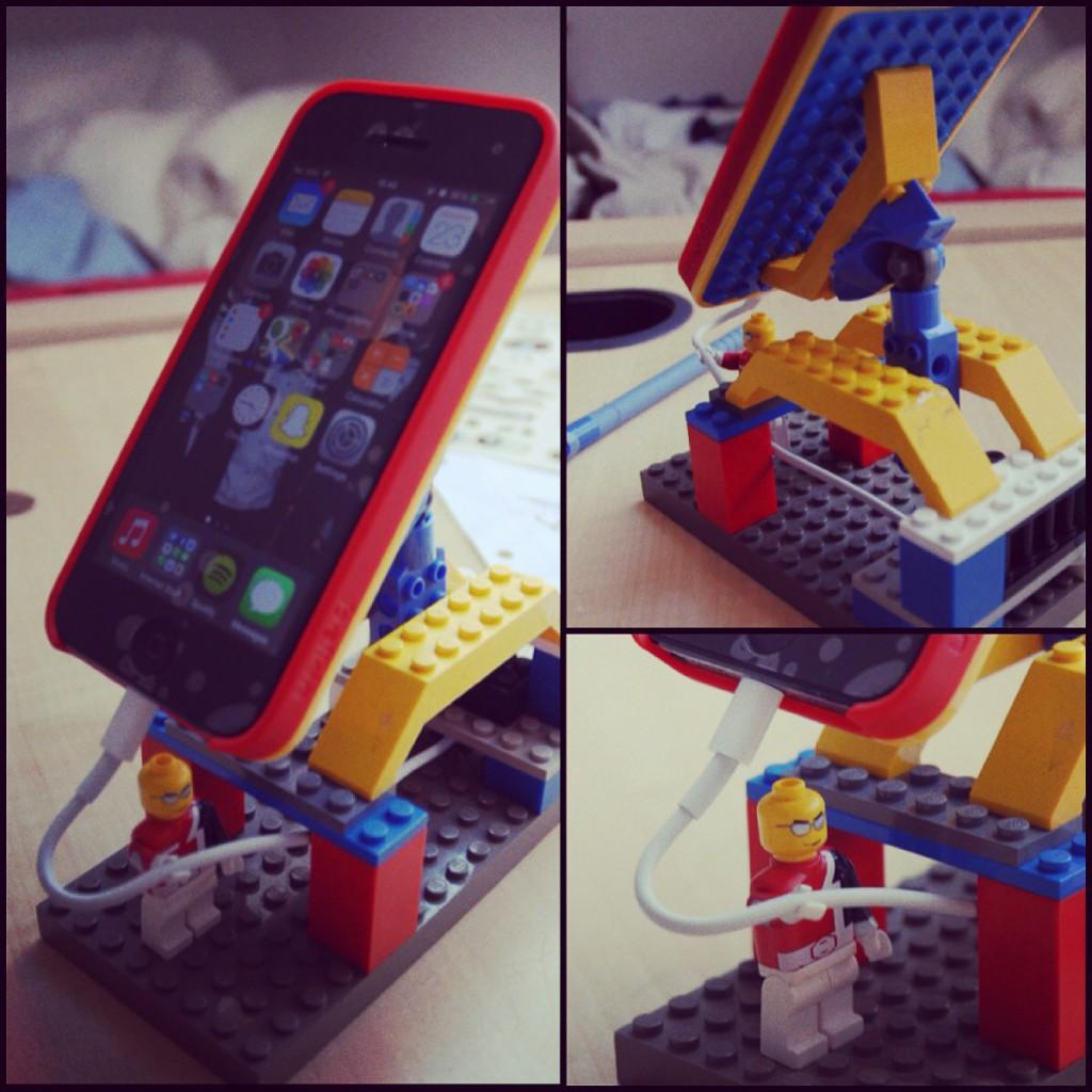 lego-phone-holder